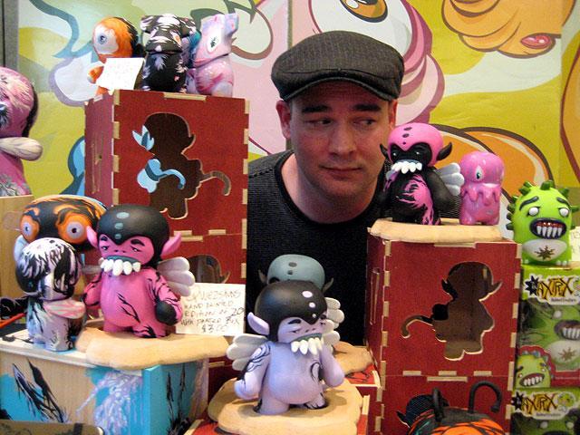 vinyl toys by Attaboy at Vinyl Toy Network Winter 2008