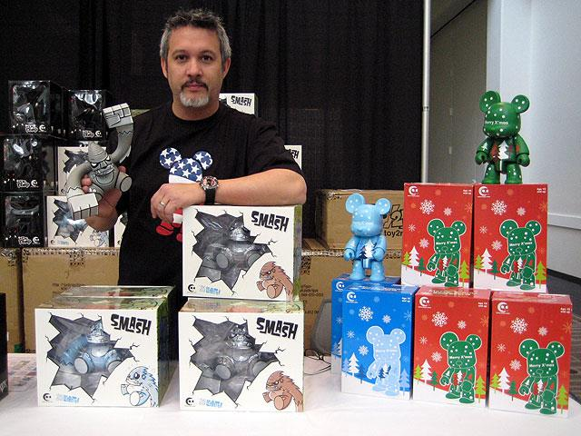 vinyl toys by Toy2R at Vinyl Toy Network Winter 2008