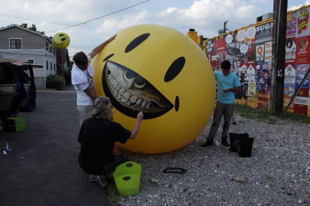 Ron English with Grin Balloon in Detroit