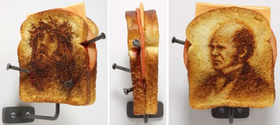 Assassination Sandwiches (Jesus/Darwin) © Tibi Tibi Neuspiel