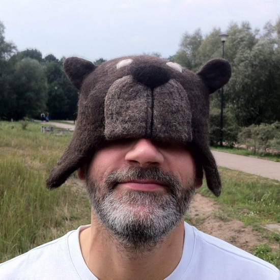 Needle-felted Bearhattos by MISZEK