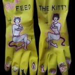 Feed the Kitty Dirty Dish Gloves