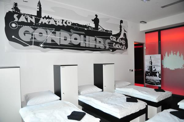 Global graffiti hostel in zagreb croatia for Interior design zagreb