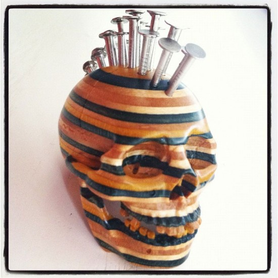 Mohawk skull by Haroshi