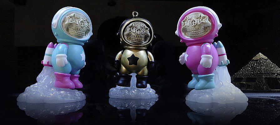 Ron English x Chris Brown DUMENGLISH astronaut vinyl toy