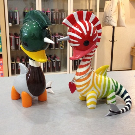 A pair of Swanicorns by Daniel Fleres, produced by @dragatomi & snapped by @agent_r!