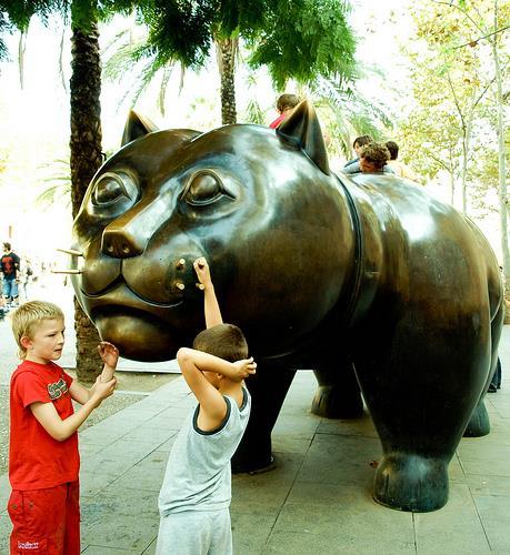 Fernando Botero's bronze El Gato