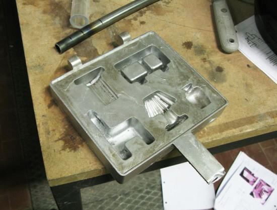 Sapore dei Mobili: work in progress, cast aluminum pan