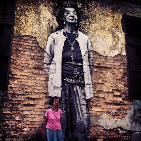 Jose Parla and @jr_artist get their subject in front of her wall in Havana. Cool.