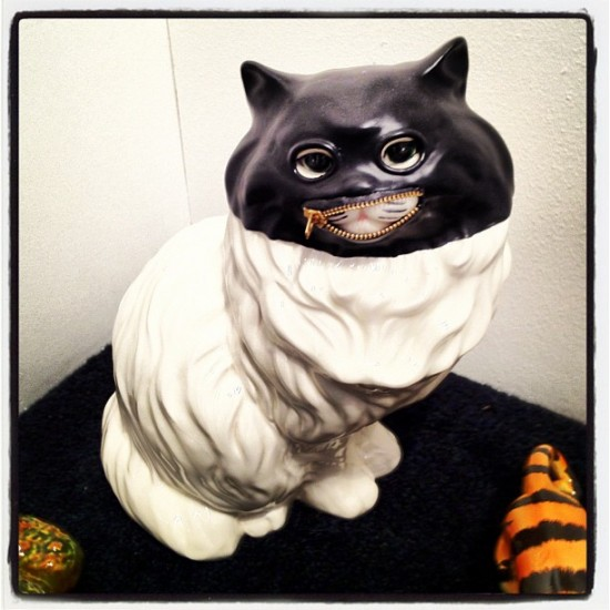 Cheshire cat Fetish Figurine by Richard Ankrom. Photo by @jeremyriad.