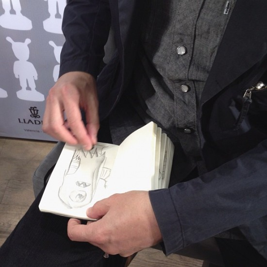 @tbiskup in Moscow on a Lladro porcelain tour. Sketching in @sergeysafonov's book!