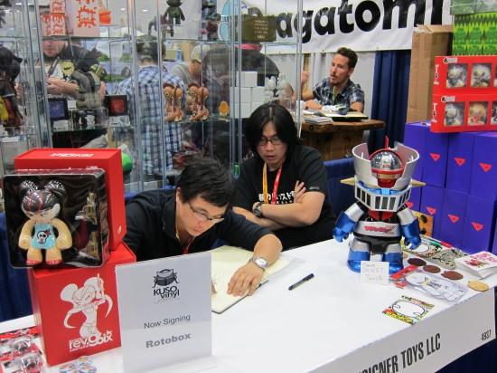 Rotobox signing at Kuso Vinyl, Comic-Con 2012