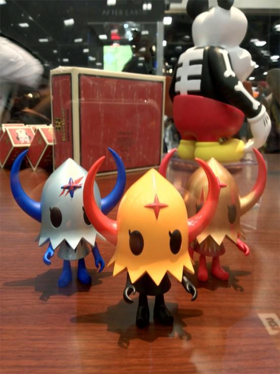 Evirob figures by Devillrobots