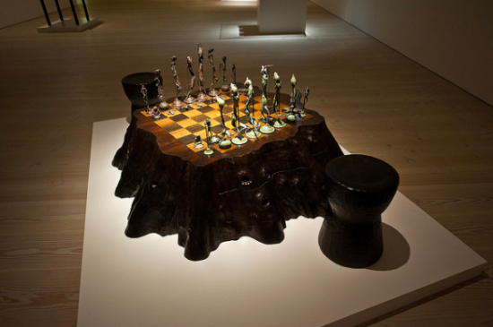 Tim Noble and Sue Webster, Chess Set (2003)