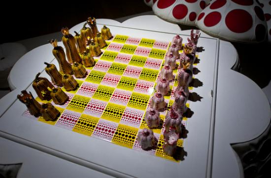 Yayoi Kusama, Chess Set (2003)
