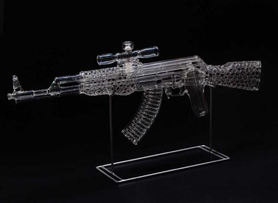 AK-47 © Robert Mickelsen