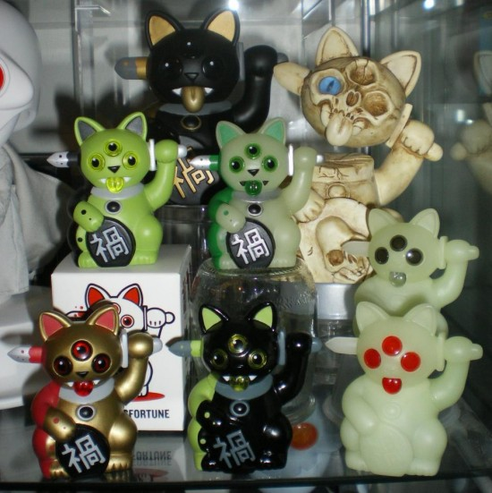 Jeremycat (and friends) in France, collection of @jorester