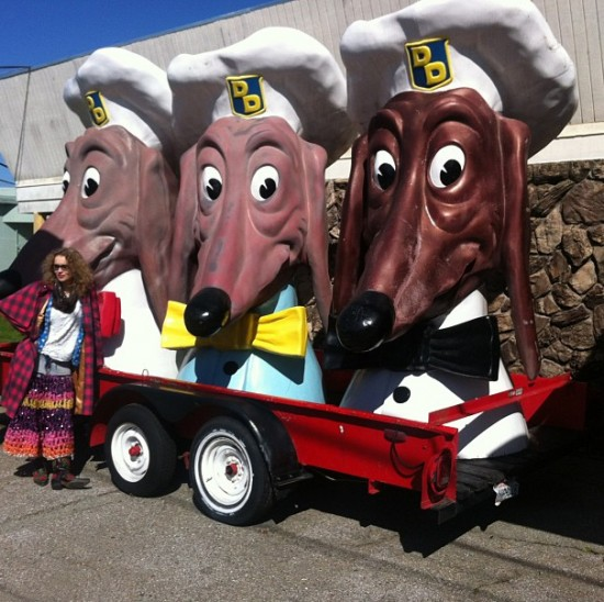 Olek and Doggie Diner mascots