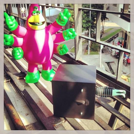 Sideways toy by Yoskay Yamamoto x Mighty Jaxx