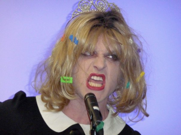 Courtney Love is no drag!