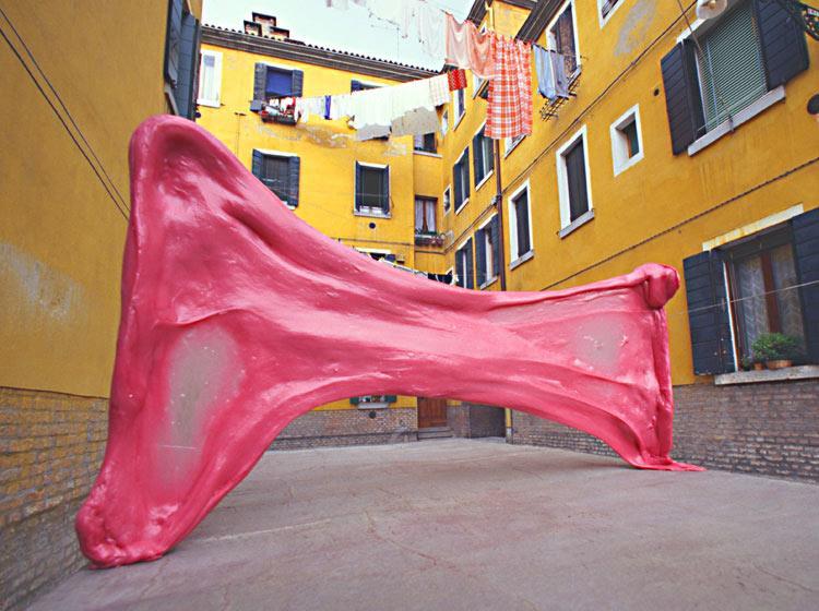 Giant Bubble Gum in Venice, 1999 by Simone Decker