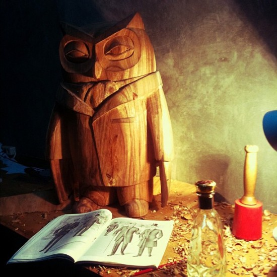 Grand wooden owl by @alephgeddis for Blamo Toys in Bali.